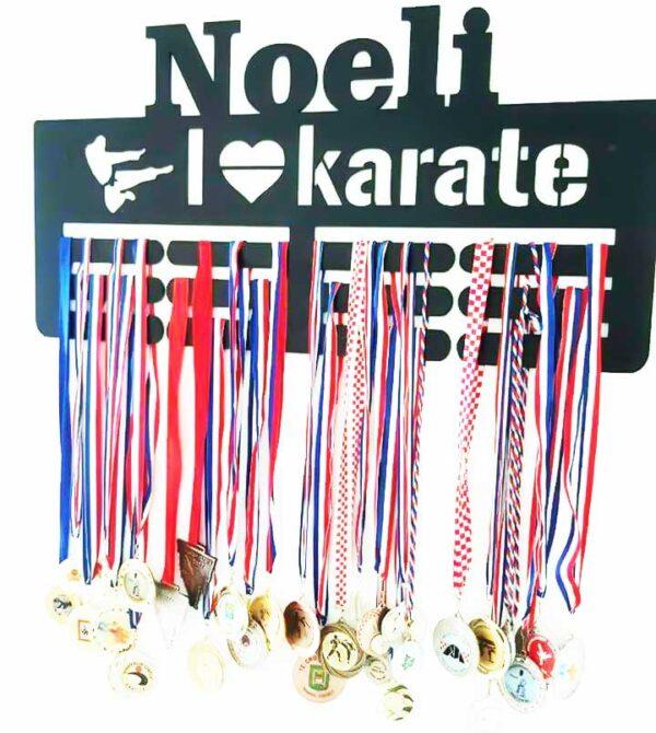 postolje-za-medalje-karate