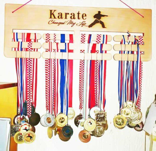 stalak-za-medalje-karate