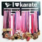 stalak-za-medalje-trostruki-karate
