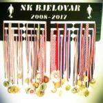 stalak-za-medalje-trostruki-nogomet