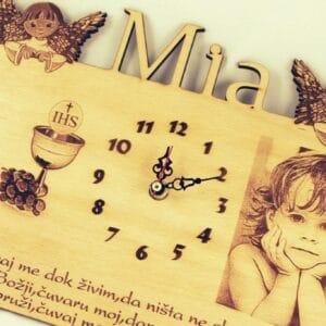 sat--s-slikom-djeteta-poklon-za-prvu-pričest