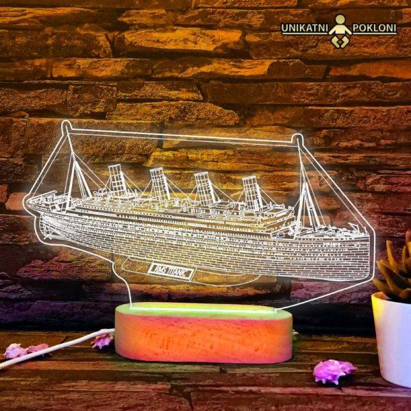 titanik poklon